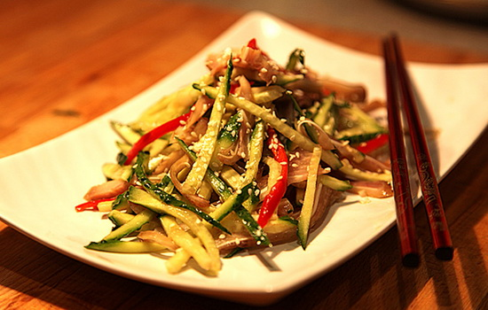 Как называется вредное вещество, которое есть в блюдах китайской кухни