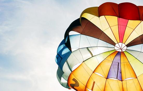 Как раскрыть парашют