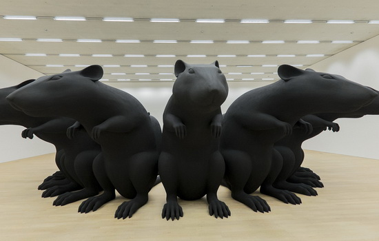 "The artwork ""Rat-King"" (1993) by German artist Katharina Fritsch is on display in the Schaulager in Muenchenstein, Switzerland, on Thursday, June 11, 2015. The exhibition ""Future Present"" presents works from the collection of the Emanuel Hoffmann Foundation and lasts until January 31, 2016. (KEYSTONE/Georgios Kefalas)"