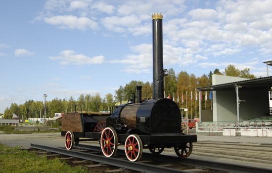 Кто создал первый российский паровоз