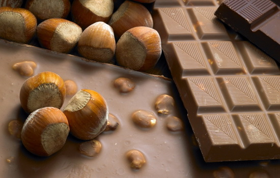 Почему следует избегать бесплатных орешков в барах
