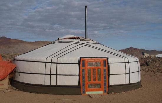 В чем живут монголы