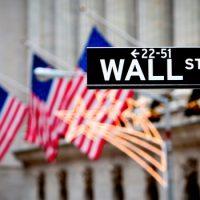 Что делали американские банкиры после краха Уолл-стрит 1929 года ?
