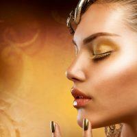 Что произойдет, если красивую женщину покрыть золотом с головы до пят ?