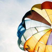 Как раскрыть парашют ?