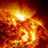Какая температура на поверхности Солнца ?