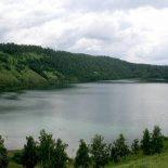 Почему вода в Большом озере соленая ?