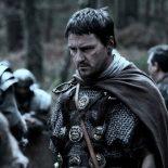 Сколько людей находилось под командованием центуриона в Римской империи ?