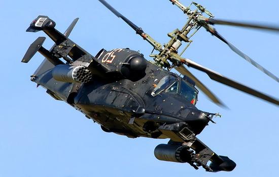 Почему вертолет способен зависать в воздухе ?